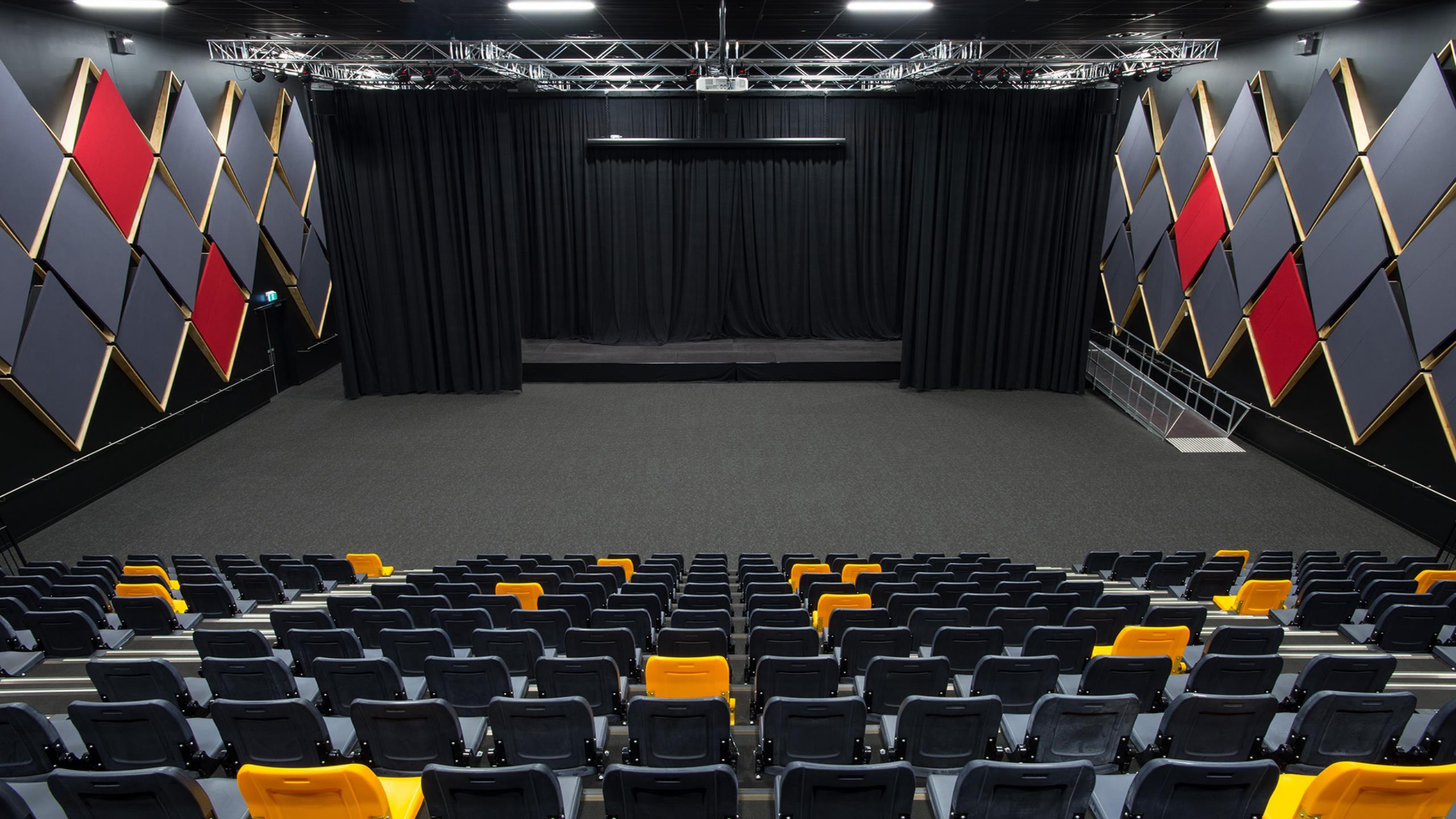 Haeata Community College Theatre - Triton Fabwall & Ridgeline